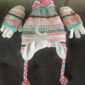Girl's fleece hat and gloves set